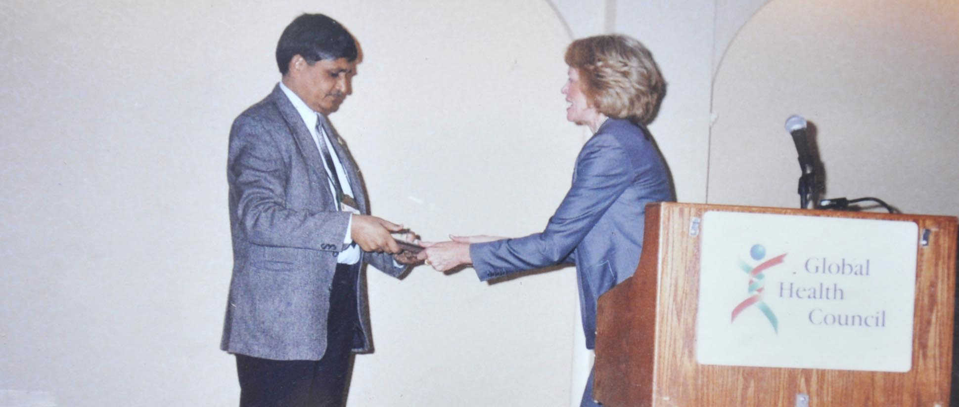 Dr BS Garg awarded Safe Motherhood Award in 1995 at Washington